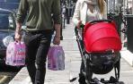 Elsa Pataky y Chris Hemsworth, de compras con su hija