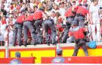 Tres detenidos por protagonizar una pelea y golpear a un policía foral
