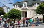"San Francisco cubre de flores la casa en que Williams rodó ""Mrs. Doubtfire"""