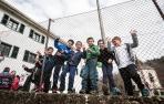 Alumnos del colegio de Sunbilla, el día de la visita parlamentaria al centro.