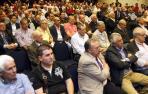 Una vista de la asamblea que se celebró en mayo de 2012 en tiempos de Izco y Archanco y que ahora, tras cuatro años, se tiene que renovar. Entre los socios aparecen el presidente Luis Sabalza y el directivo Fidel Medrano.