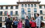 Alumnos del colegio Jesuitas Tudela forman un grupo de limpieza urbana