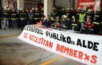 """Los bomberos exigen al Gobierno más negociación y que dé """"pasos urgentes"""""""