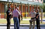 Un joven mata a su padre y luego abre fuego en una escuela de EE UU