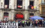 Un grupo de jóvenes 'okupa' el Palacio del Marqués de Rozalejo de Pamplona