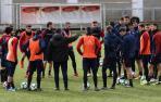 Osasuna recibe al Cádiz en un duelo de equipos necesitados