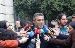 El portavoz de la Federación Profesional del Taxi, Julio Sanz comparece ante los medios de comunicación tras la reunión celebrada con el Gobierno de la Comunidad de Madrid para desencallar el conflicto del sector del taxi.