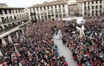 Daniella Garro cierra la Semana Santa en una multitudinaria Bajada del Ángel