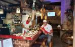 Una taberna recrea en La Habana el sabor sanferminero de La Estafeta