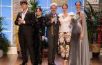 Tamara Falcó junto a Raquel Sánchez Silva y el jurado de 'Maestros de la costura'