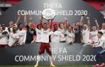 Mikel Arteta levanta su segundo título de agosto con el Arsenal