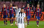 Messi celebra junto a sus compañeros el gol ante el Levante