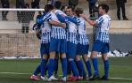 Los jugadores del Izarra celebran uno de los tres goles que marcaron ayer ante el Ebro.