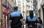 Esta noche en Pamplona 17 denuncias por botellón y 11 por no usar mascarilla