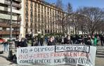 Manifestación de los empleados de Benecke Kaliko para pedir el regreso de un compañero.