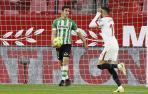 En-Nesyri decide un derbi que hace que el Sevilla se escape