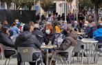 Fotos de las terrazas llenas en Jueves Santo en Navarra