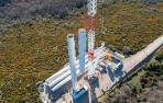Gamesa finaliza  en Alaiz el montaje de la mayor turbina  terrestre