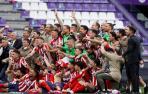 El Atlético se corona campeón de Liga y Huesca y Valladolid descienden