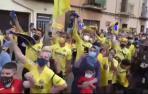 Multitudinaria rúa de celebración del Villarreal con su afición
