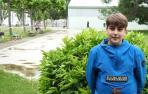 Pablo Álvarez Gastearena en el patio del instituto, con la mascarilla retirada para la foto.