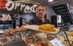 Javier Garde Larrión -sin mascarilla para la foto- en el establecimiento recién inaugurado