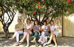 María Txus Gabari Olleta, Marisa Vallés Calvo, Angelina Lecumberr Sagüés, Ana Carmen Ortega Gabari y Ana Frago Gabari son integrantes de la junta de la Asociación de Mujeres El Cambio. Completan la junta, aunque no están en la imagen, Cristina Gárriz y Vi