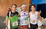 Los tres primeros clasificados de la carrera masculina