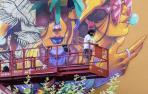 Un artista en pleno trab ajo en el festival Cantamañanas de un año anterior, en Huarte