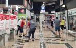 El supermercado Alcampo de Tudela, cerrado al público debido a las inundaciones.