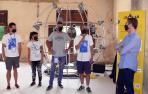 De izda. a dcha., Xabier Anunzibai, Madalen Pinuaga y Gabriel Coca (muralistas), Pablo Chivite (uno de los organizadores del festival), y el alcalde de Cintruénigo, Óscar Bea, en la presentación del evento