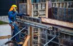 Un trabajador de la construcción, en la obra