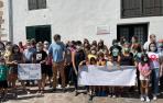 Imagen de la concentración llevada a cabo semanas atrás delante del consultorio de Urdax
