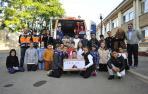 Alumnado de 5º de Primaria entregó a las personas voluntarias de Protección Civil el material recogido para La Palma