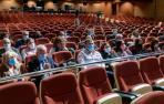 Aspecto del auditorio de Barañáin, con capacidad para 660 personas. Casi un tercio de los 52 asambleístas optó por la vía telemática