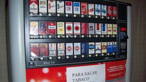 La nueva norma europea sobre el tabaco inquieta al sector del vending navarro