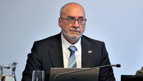El consejero de Universidades, Innovación y Transformación Digital, Juan Cruz Cigudosa, en una comparecencia en el parlamento