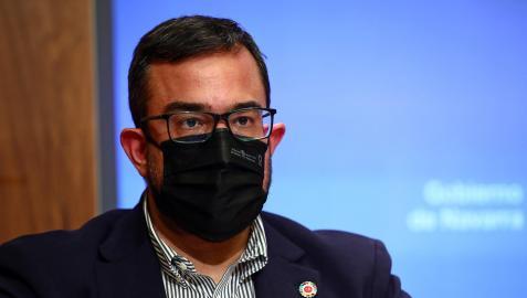 El portavoz del Gobierno de Navarra, Javier Remírez, durante una rueda de prensa