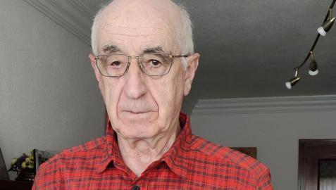 Fernando Etxeberria Mariezkurrena, con su último libro