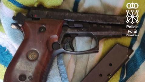 Imagen de la pistola incautada