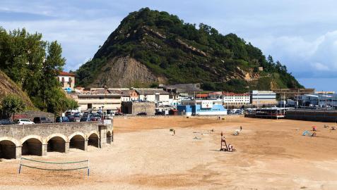 Un vecino de Pamplona ha fallecido tras sufrir una indisposición mientras caminaba por la orilla en la playa de Malkorbe