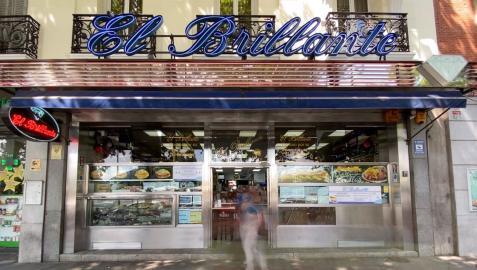 Fachada de 'El Brillante', el restaurante que popularizó el bocadillo de calamares en Madrid