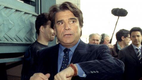 Bernard Tapie llega al juzgado en 1996