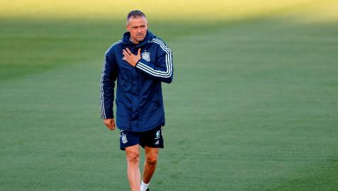 Luis Enrique durante un entrenamiento con España