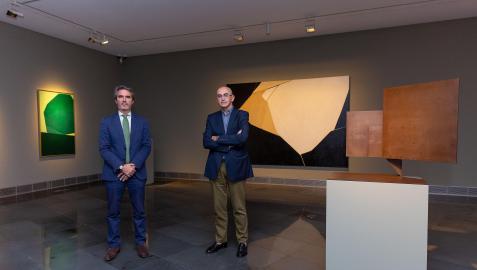 Jaime García del Barrio e Ignacio Miguéliz, en la presentación de En torno a María Josefa Huarte. Museo Univerisdad de Navarra