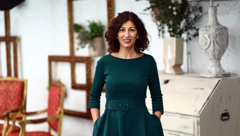 Sara Martínez  Sánchez, presidenta de la Asociación de Hoteles de Pamplona, posa en El Toro, cuyos departamentos coordina desde hace tres años