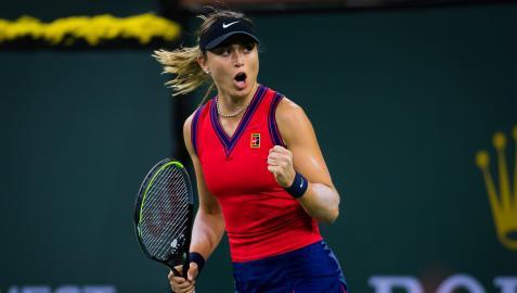 Paula Badosa celebra un tanto en el partido de tercera ronda contra Cori Gauff