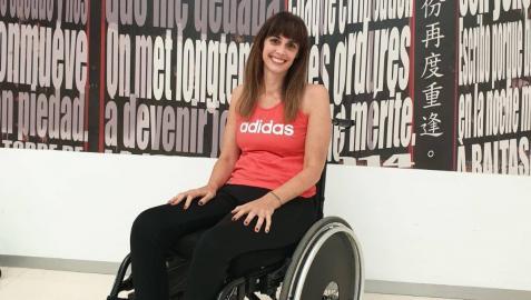 Sheila Varas Bueno, en el hospital de Toledo, donde trabaja en rehabilitación tras su accidente