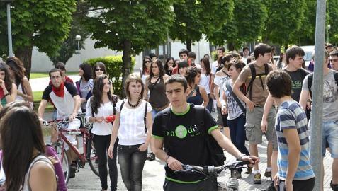 Manifestación de la segunda jornada de huelga que el sector educativo llevó a cabo en Pamplona el 29 de mayo