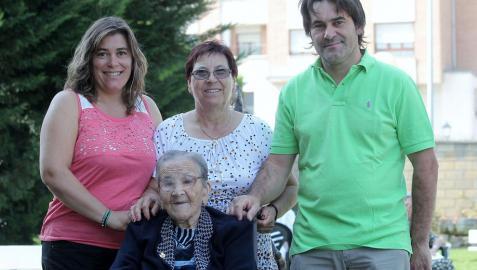 La mujer más longeva de España cumple mañana 111 años en la residencia Landazabal de Burlada
